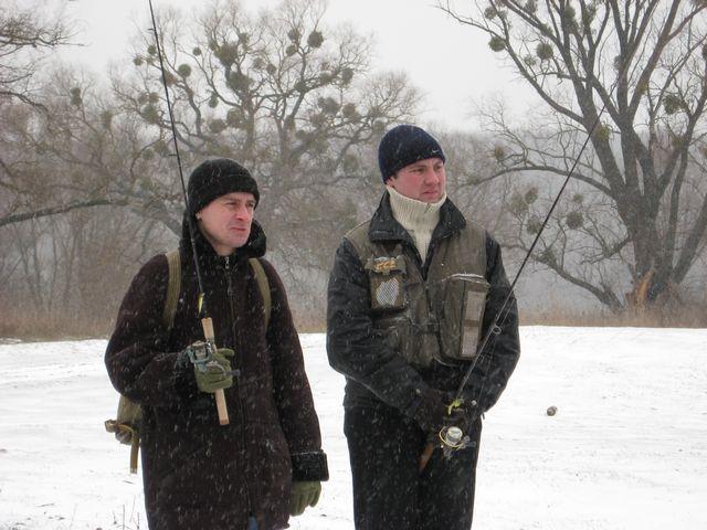 Наблюдать за зимней ловлей нахлыстом было очень интересно